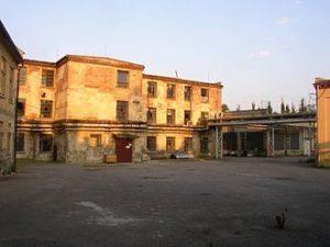 330px-Schindlers_factory_Brnenec_CZ_2004b